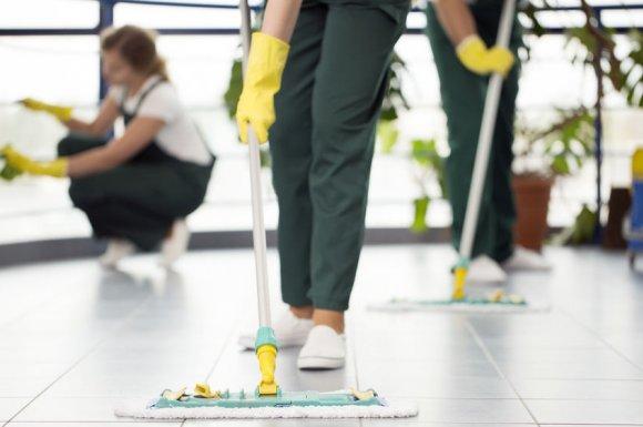 Remise en état de locaux commerciaux par entreprise de nettoyage à Orange